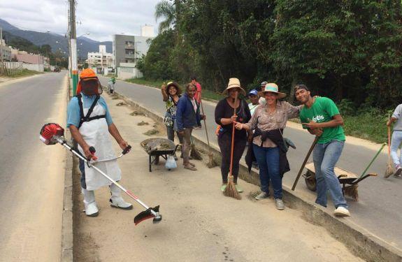 Camboriú promove limpeza no entorno de escolas e outros equipamentos públicos