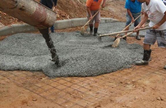 Camboriú: Trecho de rua é pavimentado com concreto