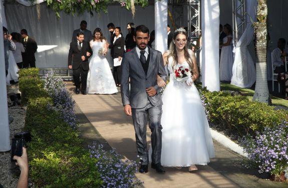 Casamento Coletivo celebra a união entre 112 moradores de Itajaí