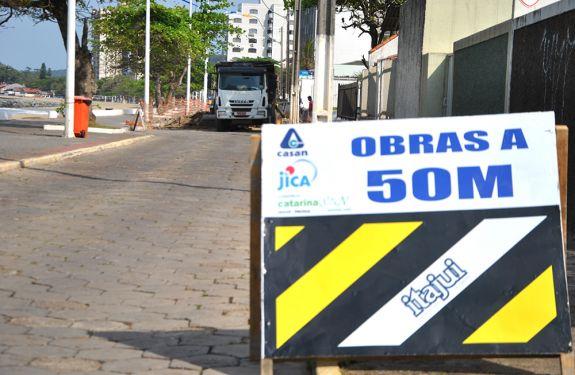 Casan aumenta equipes em obra na Beira Mar de Bal. Piçarras