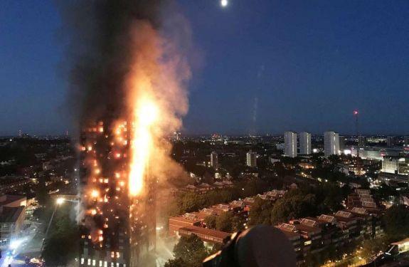 Cerca de 30 pessoas morreram em incêndio de prédio em Londres