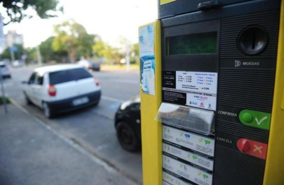 Cobrança do estacionamento rotativo retorna hoje (17) em ITJ