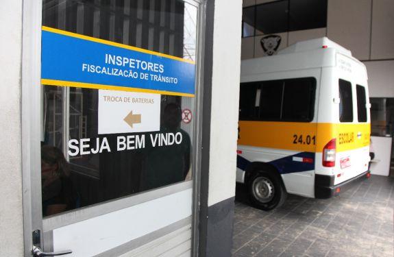Codetran de Itajaí divulga período para vistorias das vans escolares