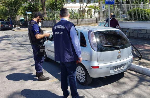 Codetran flagra transporte irregular de passageiros e apreende veículo