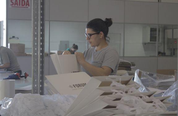 Empresa de Camboriú entrega 50 milhões de embalagens ao ano