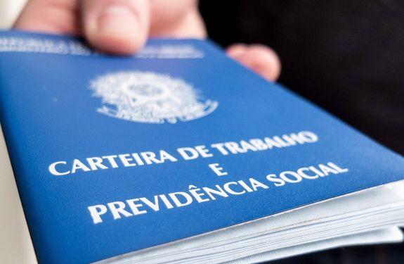 Comércio projeta abrir 3,5 mil vagas temporárias em Balneário Camboriú