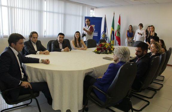 Comitiva dos Emirados Árabes visita Balneário Camboriú