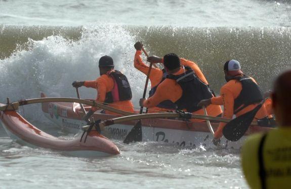 Itajaí: Competição náutica reúne centenas de atletas...
