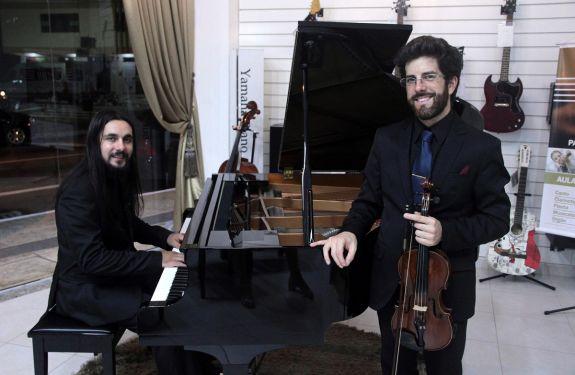Concerto gratuito de violino e piano é atração em Itajaí