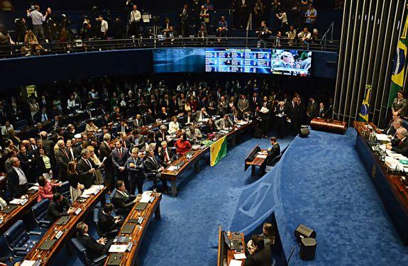 Congresso terá semana com foco em denúncia contra Temer