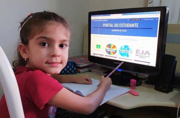Coronavírus: Aulas não presenciais iniciam nesta segunda-feira (13) em Itajaí