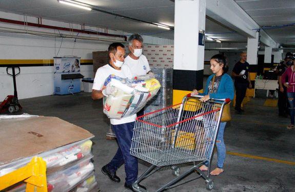 Itajaí: Novos pedidos de cestas básicas serão entregues...