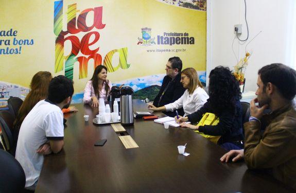 Costa Esmeralda preocupada com a violência contra a mulher