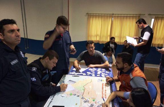 Defesa Civil de Balneário Camboriú realiza simulado de mesa