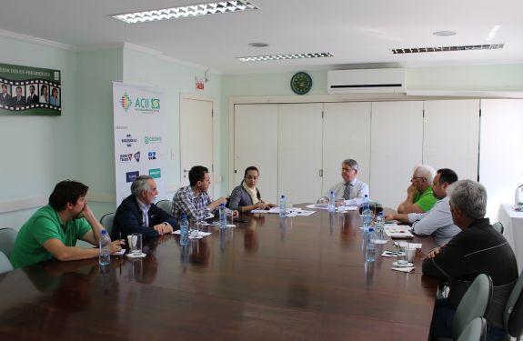 Itajaí: Apresentações dos candidatos na campanha Voto Útil