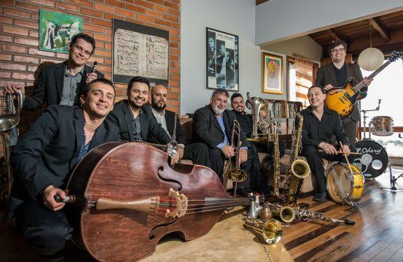 Domingo tem música instrumental no Molhe da Barra Sul em BC