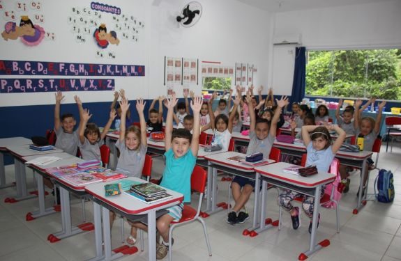 BC: 10 mil Cartões para Material Escolar foram entregues...
