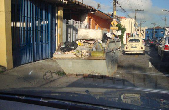 Empresas de caçambas serão fiscalizadas em Bal. Camboriú