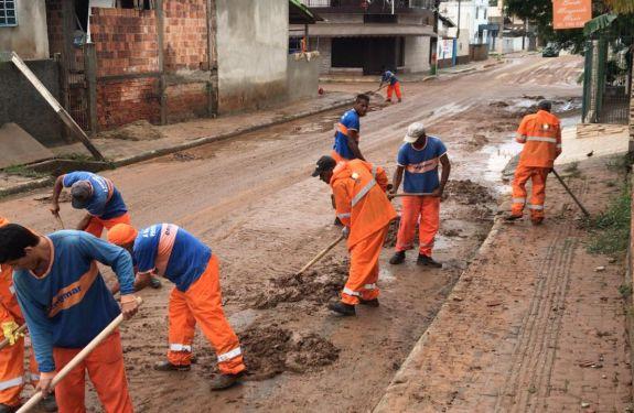 Equipes trabalham para atender comunidade após fortes chuvas em Camboriú