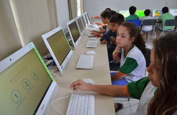 Escola de Camboriú tem nova sala de informática