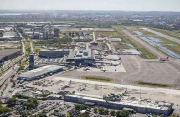 Estrangeiros arrematam aeroportos; governo arrecada R$ 3,7 bi