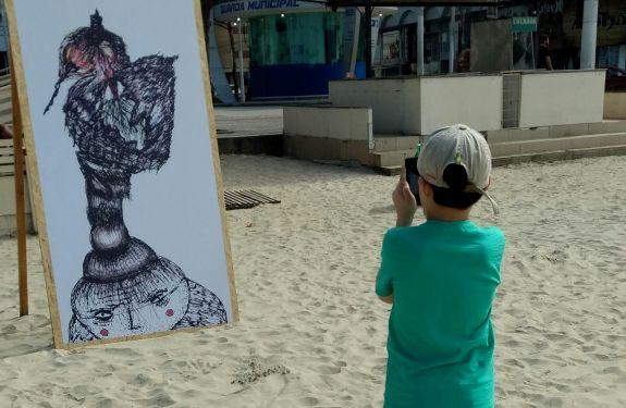 Exposição de arte ocupa espaços na Praia Central de Balneário Camboriú
