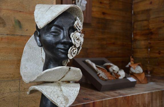 Exposição Humano Imaginário segue até dia 25 em Camboriú