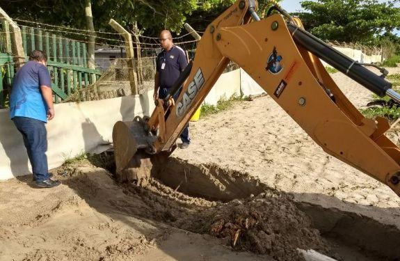 Famai elimina esgoto clandestino na Praia da Atalaia em Itajaí
