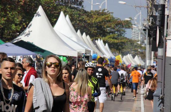 Festa dos Amigos reúne 41 mil pessoas em Balneário Camboriú