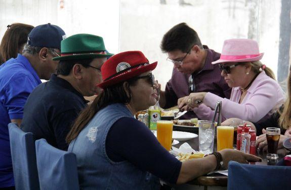 Festas da região movimentam Balneário Camboriú