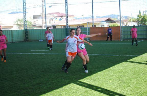 FMEL de Itajaí promove seletiva de futebol feminino