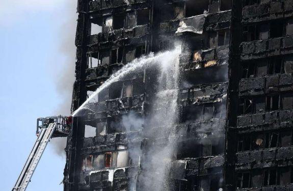 Fogo em prédio de Londres começou em geladeira com defeito