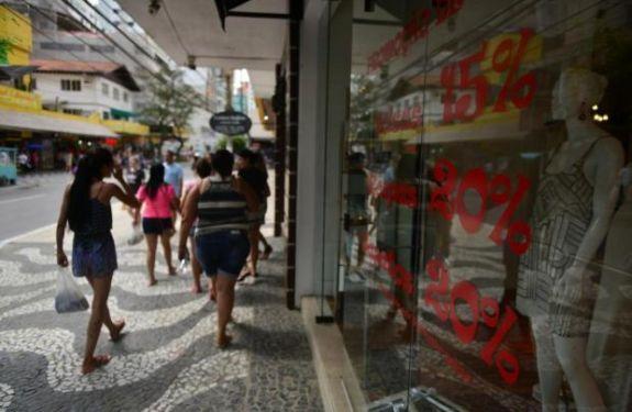 Funcionamento do comércio segue regras diferenciadas em Balneário Camboriú e Camboriú em 1º de maio