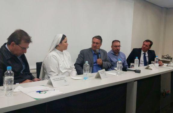 Governador anuncia apoio financeiro mensal ao Hospital Marieta até dezembro