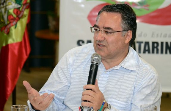 Governador se manifesta pela permanência da Petrobras em ITJ