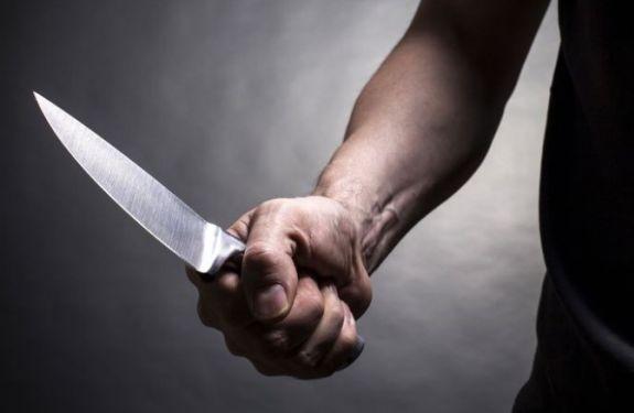 Homem ameaça ex-companheira com faca em BC