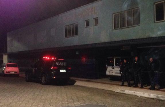 Hotel na Rua 200 é interditado após determinação judicial
