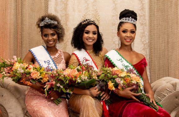 Isanara Vieira é coroada a Mais Bela Negra de Itajaí