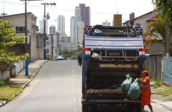 Itajaí: Alterações na coleta do lixo para localidades do interior