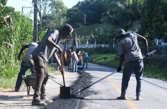 Itajaí: Bairros do interior recebem 16 quilômetros de nova rede de água tratada