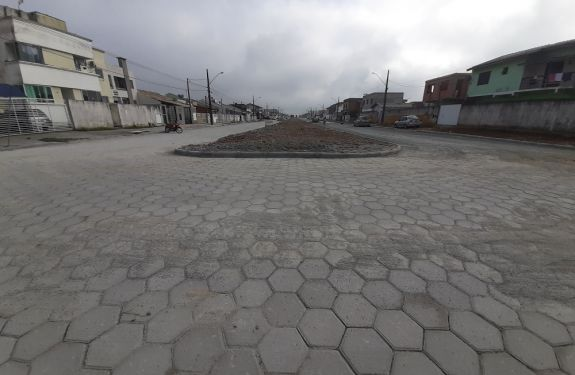 Itajaí: Concluídas as obras na maior avenida do bairro Santa Regina