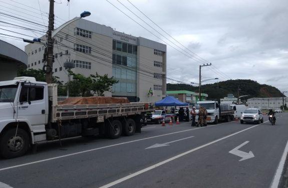 Itajaí: Defesa Civil realiza fiscalização de produtos perigosos
