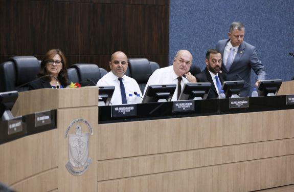 Itajaí: Legislativo e OAB firmam convênio para novo programa...
