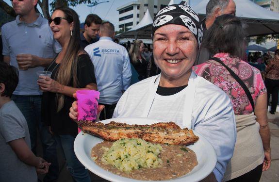 Itajaí: Mais de 25 mil pessoas prestigiam a 10ª Festa da Tainha