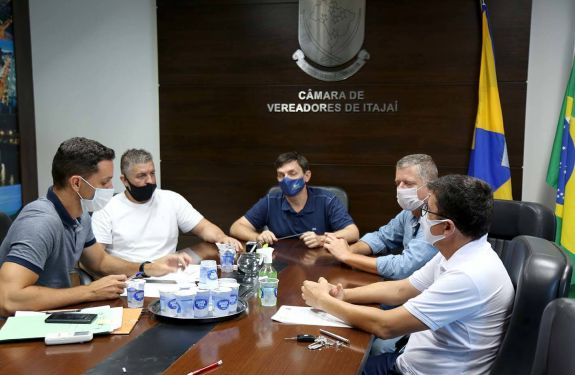 Itajaí: Mesa Diretora assina ato que libera acesso aos gabinetes