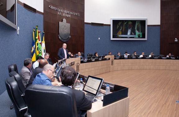 Itajaí: Revogada lei que autorizava compra e doação de imóveis