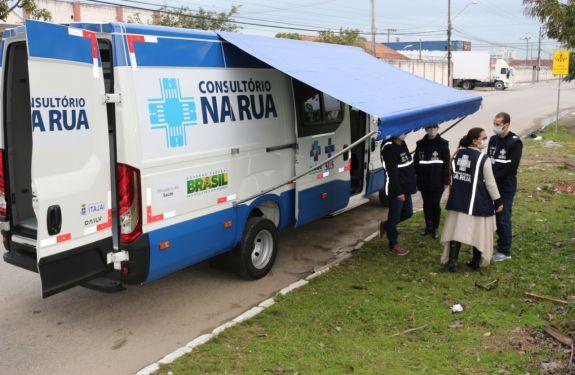 Itajaí: Secretaria de Saúde adquire veículo para equipe do Consultório na Rua