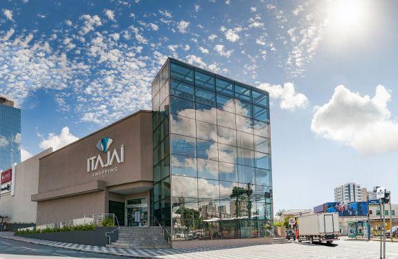 Itajaí Shopping reabre após decreto estadual