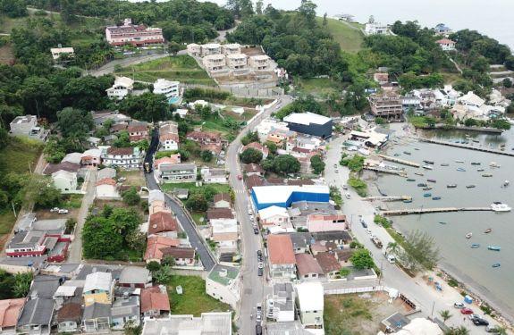 Itapema: Canto da Praia recebe pavimentação asfáltica