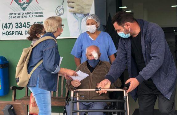 Itapema: Pacientes foram contemplados com cirurgia de pterígio